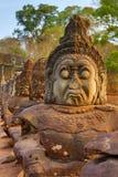石头Devas被雕刻的雕象在柬埔寨 免版税库存图片