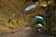 Devetashka-Höhle, Bulgarien Lizenzfreies Stockbild