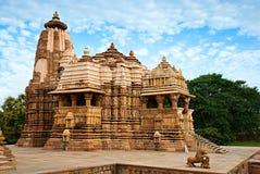Devi Jagdambi Temple västra tempel av Khajuraho. Arkivfoton