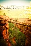 Devil's-Brücke in Sedona Arizona mit herausgestelltem Überhimmel stockfotos