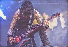 DevilDriver Diego Ibarra bor i konserten 2017, heavy metal Arkivfoto
