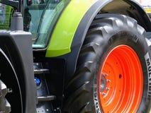 Devon, het UK - 30 Juli 2018: Een landbouwvoertuig van Klaas op vertoning stock foto
