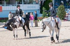 DEVON, PA - 25 MEI: Ruiters die met hun paarden in Devon Horse Show op 25 Mei, 2014 presteren Royalty-vrije Stock Foto's