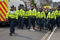 Devon-und Cornwall-Polizeischutz-Fußballfane Stockfotografie