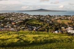 Devonport i Rangitoto wyspa przy zmierzchem Obrazy Royalty Free