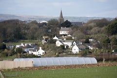 Devonshire-Ackerland und das Dorf von Bigbury in Süd-Devon England Großbritannien Stockbilder