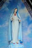 Devote Mary em pouca capela Imagem de Stock