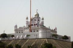 Devoti ad un santuario storico nel Punjab, India Fotografie Stock Libere da Diritti