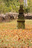 devotional liten staty royaltyfri foto