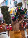 Devotos en Thaipusam Fotos de archivo libres de regalías