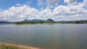 Dewahuwa湖在斯里兰卡 免版税库存照片