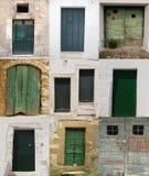 Dez portas verdes Imagem de Stock