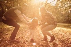 Deze familie weet het hoe te om pret te hebben stock foto