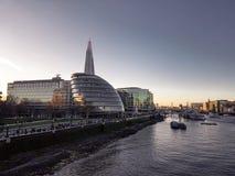 28. Dezember 2017 London, England - die Scherbe, auch gekennzeichnet als die Glasscherbe, Scherbe-London-Brücke stockbild