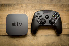 11. Dezember 2015 November 2008 gehalten Das neue Apple Fernsehen 4t Stockbild