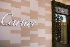 7. Dezember 2017 Palo Alto/CA/USA - das Cartier-Zeichen auf der Wand des Speicher aufgestellten im Freien Stanford Shopping-Malls lizenzfreie stockfotos