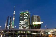 2. Dezember 2016: Tokyo Japan: Die Gebäude entlang Seite Sumida-Flüssen Stockfoto