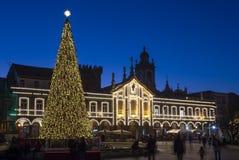 6. Dezember 2018 Weihnachtsbaum-Beleuchtung in Braga stockbild
