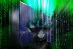 Dezintegracja komputer mainframe hacker z binarnym kodem obraz royalty free