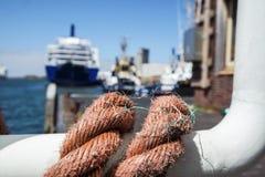 DFDS-de Veerboot treft voorbereidingen om de haven te verlaten Royalty-vrije Stock Afbeeldingen