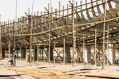 Dhaka, Bangladesh, o 24 de fevereiro de 2017: Envie a doca em Dhaka Bangladesh, onde um navio novo é construído Fotografia de Stock