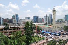 Dhaka en de Moskee van Baitul Mukarram stock afbeelding