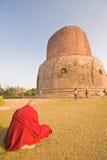 dhamekh stupa της Ινδίας sarnath Στοκ εικόνα με δικαίωμα ελεύθερης χρήσης