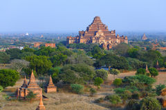 Dhammayangyi Pahto. The Dhammayangyi Pahto stood on the plains of Bagan, in Myanmar (Burma)。The scency see from the Shwesandaw Paya in afternoon royalty free stock photos
