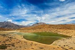 Dhankar sjö i Himalayas Arkivfoto