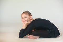 Dhanurasana yoga royaltyfri fotografi