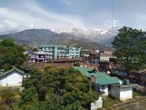 Dharamshala, skyview, bergen, duidelijke hemel stock fotografie