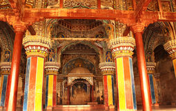 Dharbar αίθουσα αιθουσών Υπουργείου του παλατιού maratha thanjavur με τους επισκέπτες Στοκ Φωτογραφία