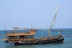 Dhau en el océano, ciudad de piedra, Zanzibar, Tanzania Fotografía de archivo libre de regalías