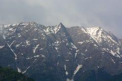 Dhauladhar山脉的美丽的景色 图库摄影