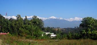 Dhauladhar Himalaja vom Kangra Tal Indien Lizenzfreie Stockfotografie