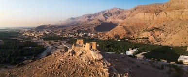 Dhayahfort in de emiraat van het Noordenras khaimah in de antenne van de V.A.E stock fotografie