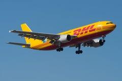 DHL Airbus A300 Imágenes de archivo libres de regalías