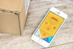 DHL app no iPhone Imagem de Stock Royalty Free