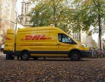 DHL bestelwagen in Cambridge stock foto's