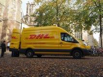 DHL bestelwagen in Cambridge royalty-vrije stock afbeeldingen