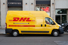 DHL leverans Arkivfoto
