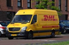 DHL-LieferungsLieferwagen - Mercedes Sprinter Stockbild