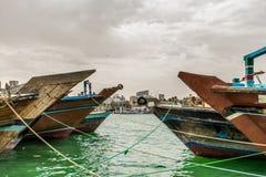 Dhow-Kreuzfahrt-Dubai- Creekansicht lizenzfreies stockbild