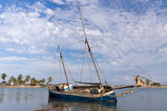 Dhow at low tide Royalty Free Stock Images