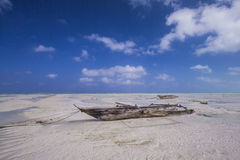 Dhow at low tide Royalty Free Stock Photos