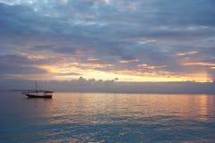 Dhow - solnedgång arkivfoto