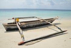 Dhow tradizionale di pesca di Pemba Fotografie Stock