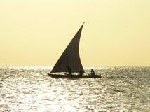 Dhow Zanzibar da pesca, Tanzânia fotografia de stock