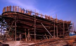 Dhowbyggnad i Dubai Arkivbilder