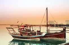 Dhows bij dageraad royalty-vrije stock foto's